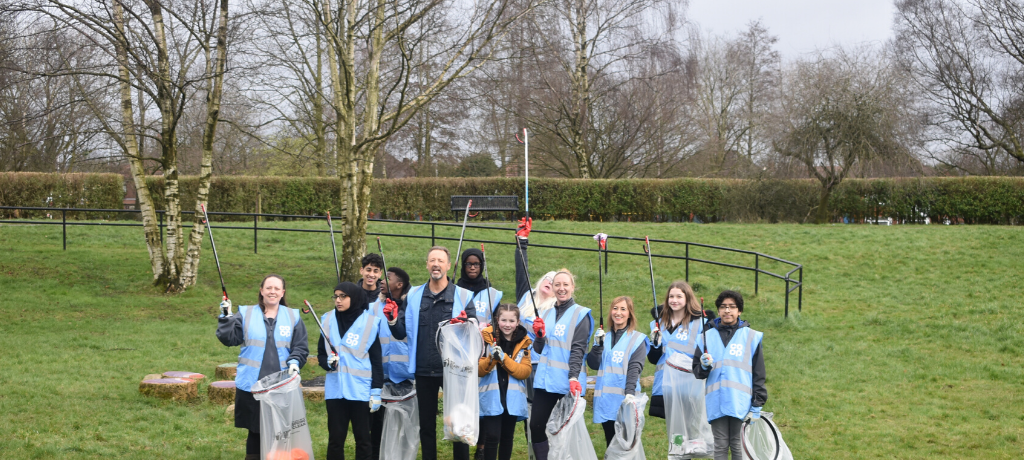 Pupils Spring Clean with Co-op CEO Steve Murrells
